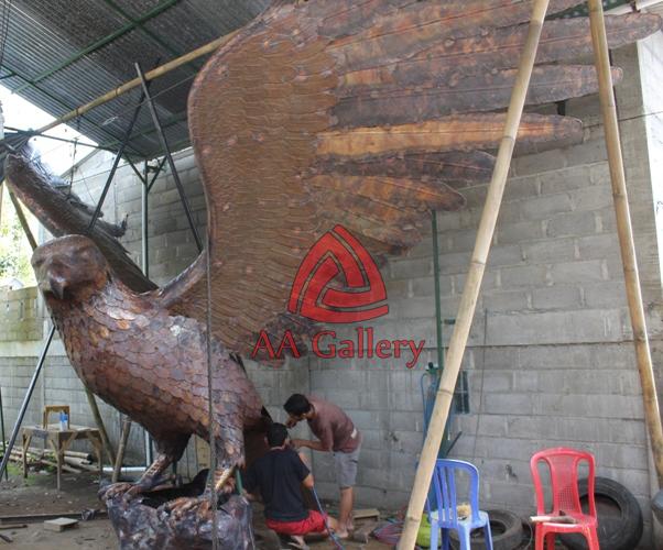 kerajinan patung elang dari tembaga untuk rcti sentra