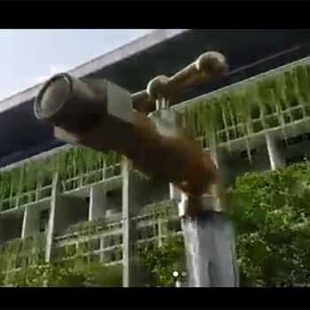Peresmian Kran Air Kuningan Melayang Oleh Menteri Pekerjaan Umum